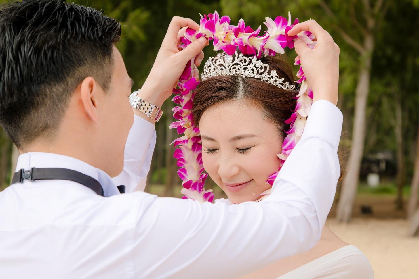 beach wedding flower lei ceremony waimanalo hawaii
