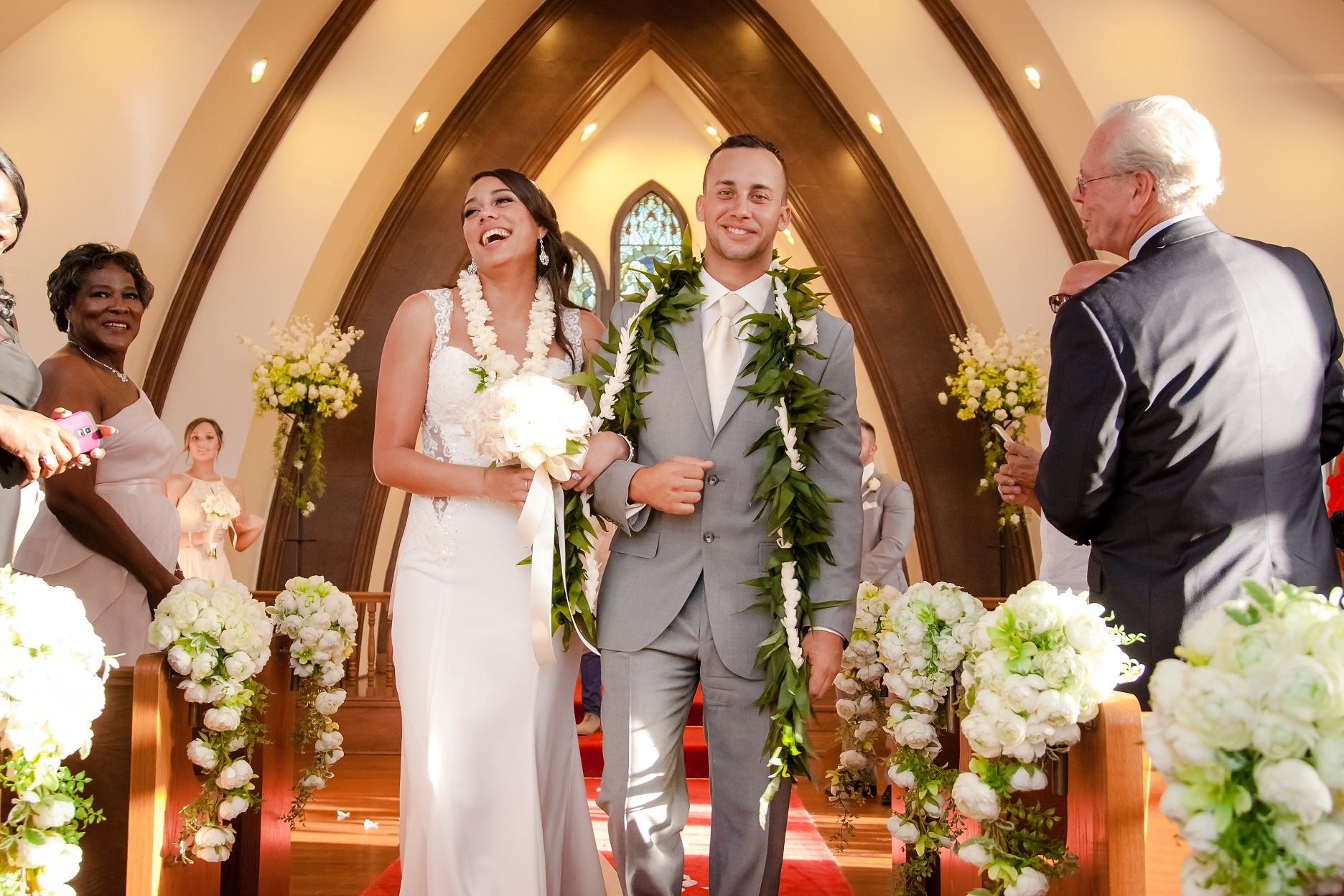 wedding photographer oahu hawaii hale koa hotel