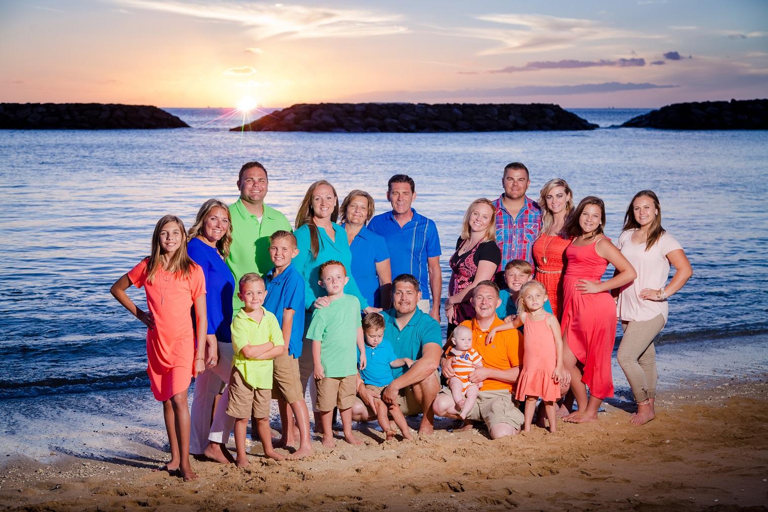family beach photo sesion waikiki oahu hawaii