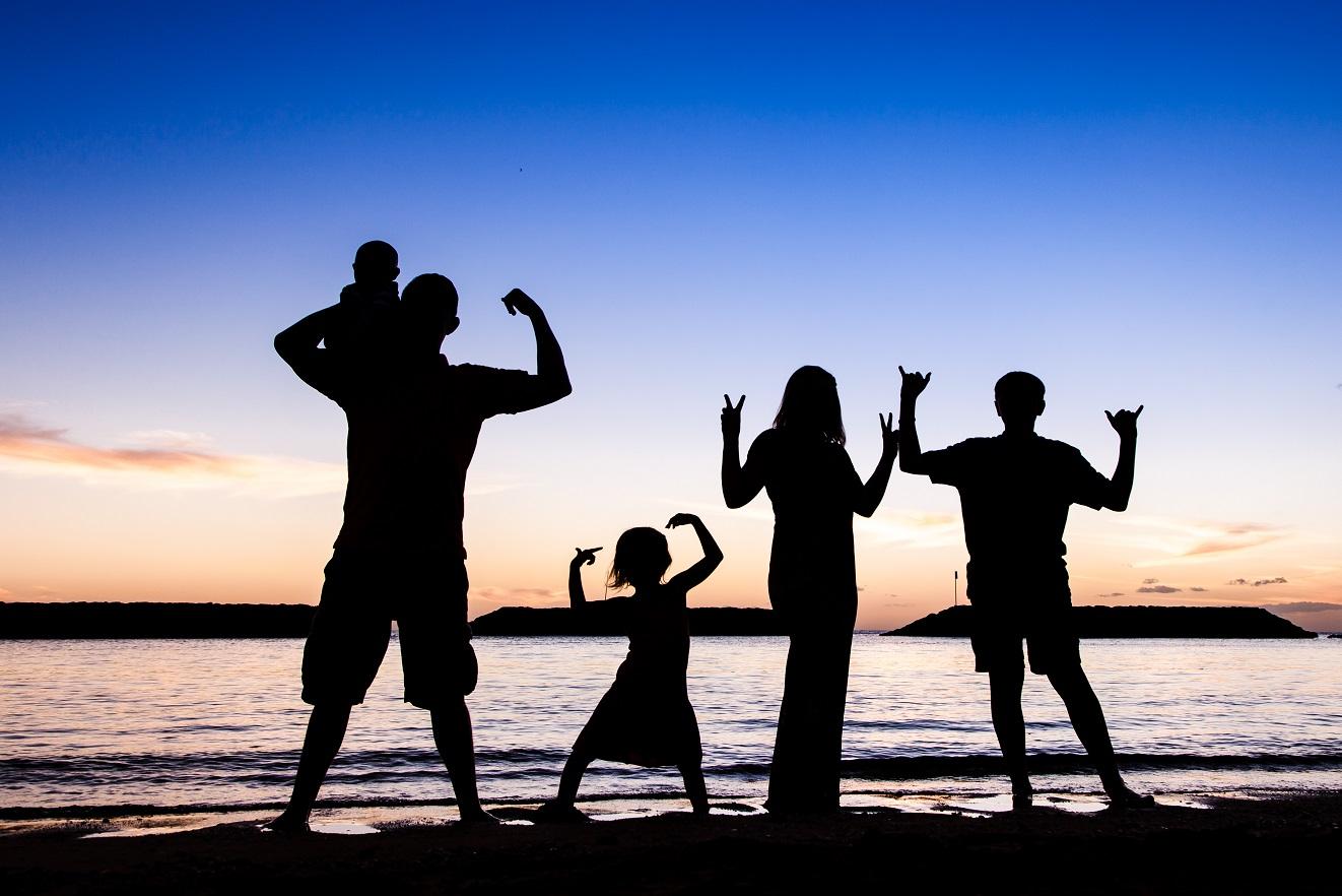 family beach silhouette portrait oahu hawaii