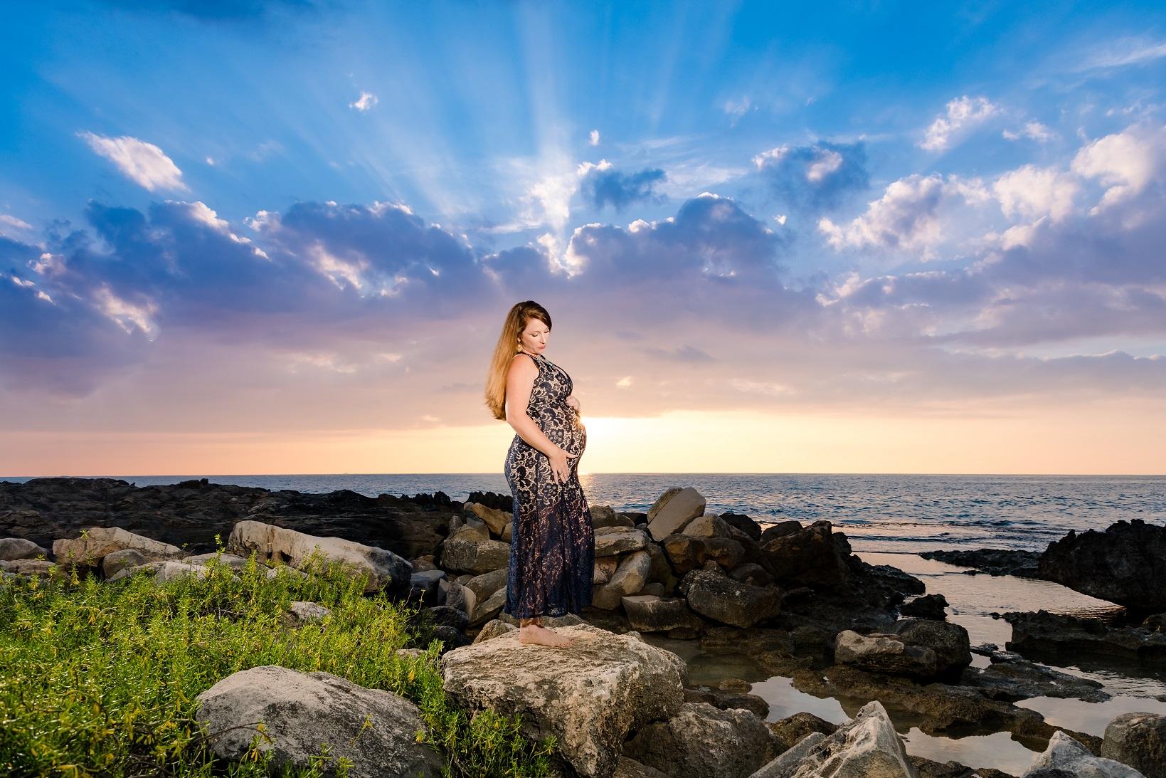 sunset maternity expecting baby portrait