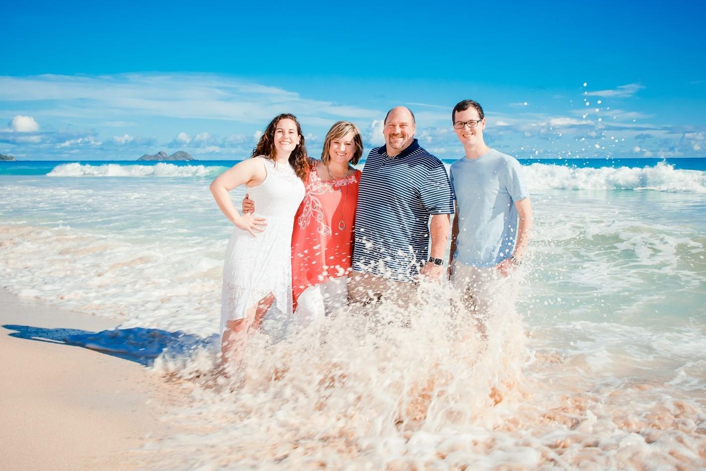 epic family beach portrait waimanalo oahu