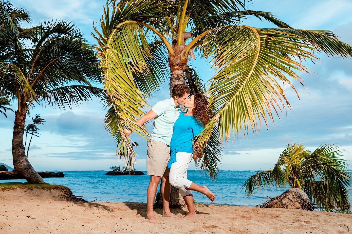 couples  heart romantic portrait hawaii beach