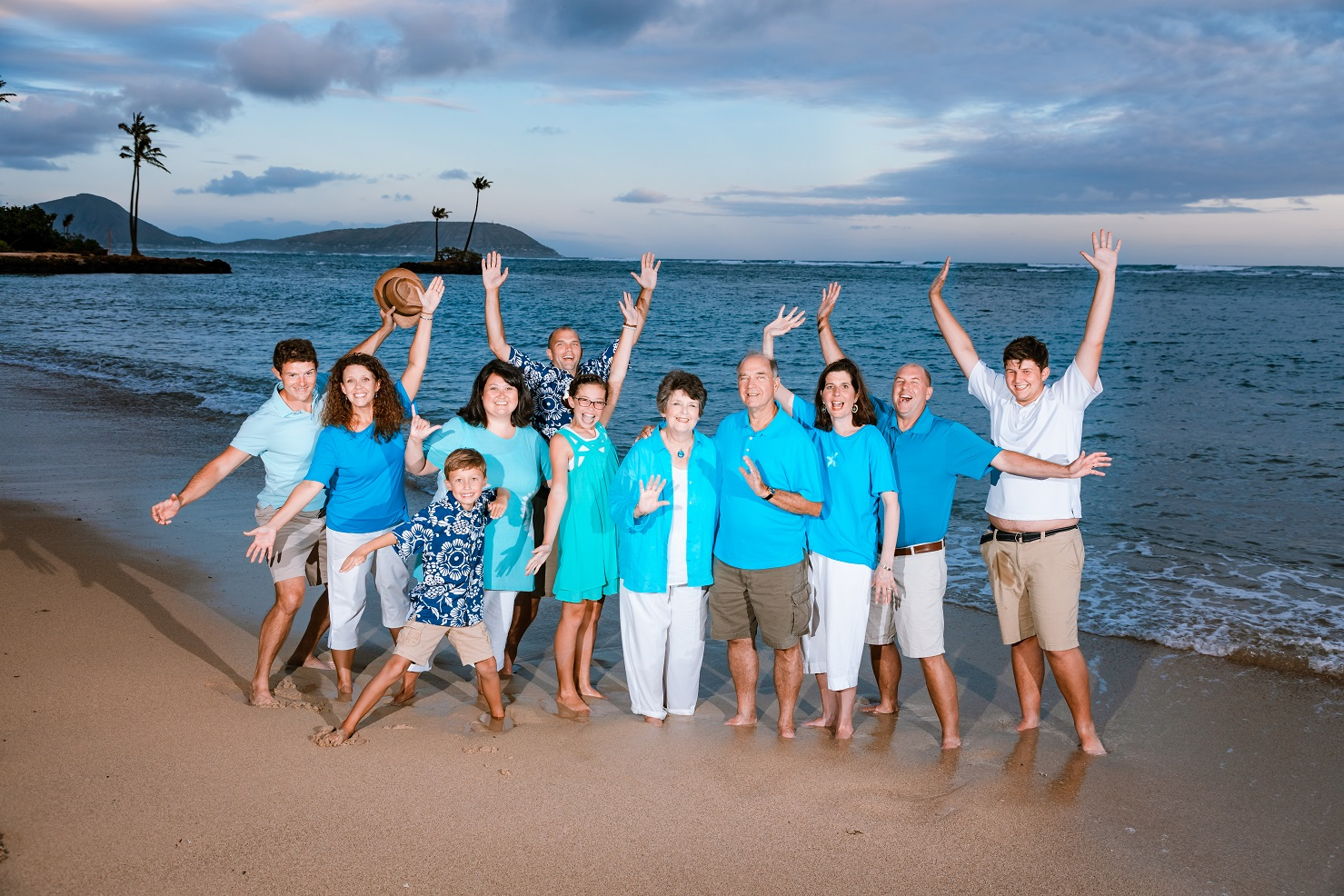 multi family generation portrait oahu beach hawaii sunset