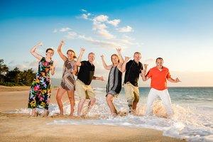 fun waikiki family sunset beach photographer