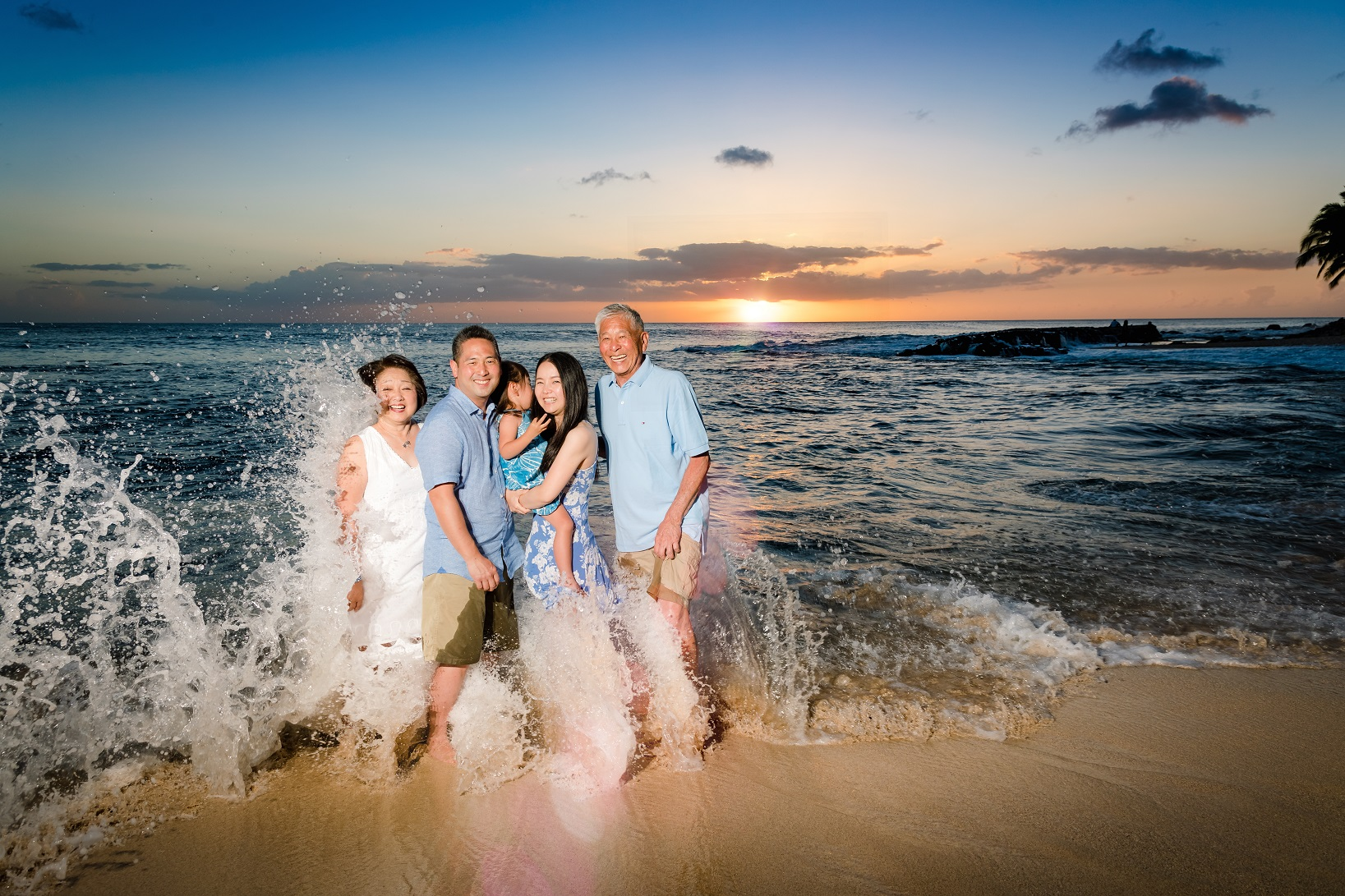 disney aulani family sunset wave splash portrait photography