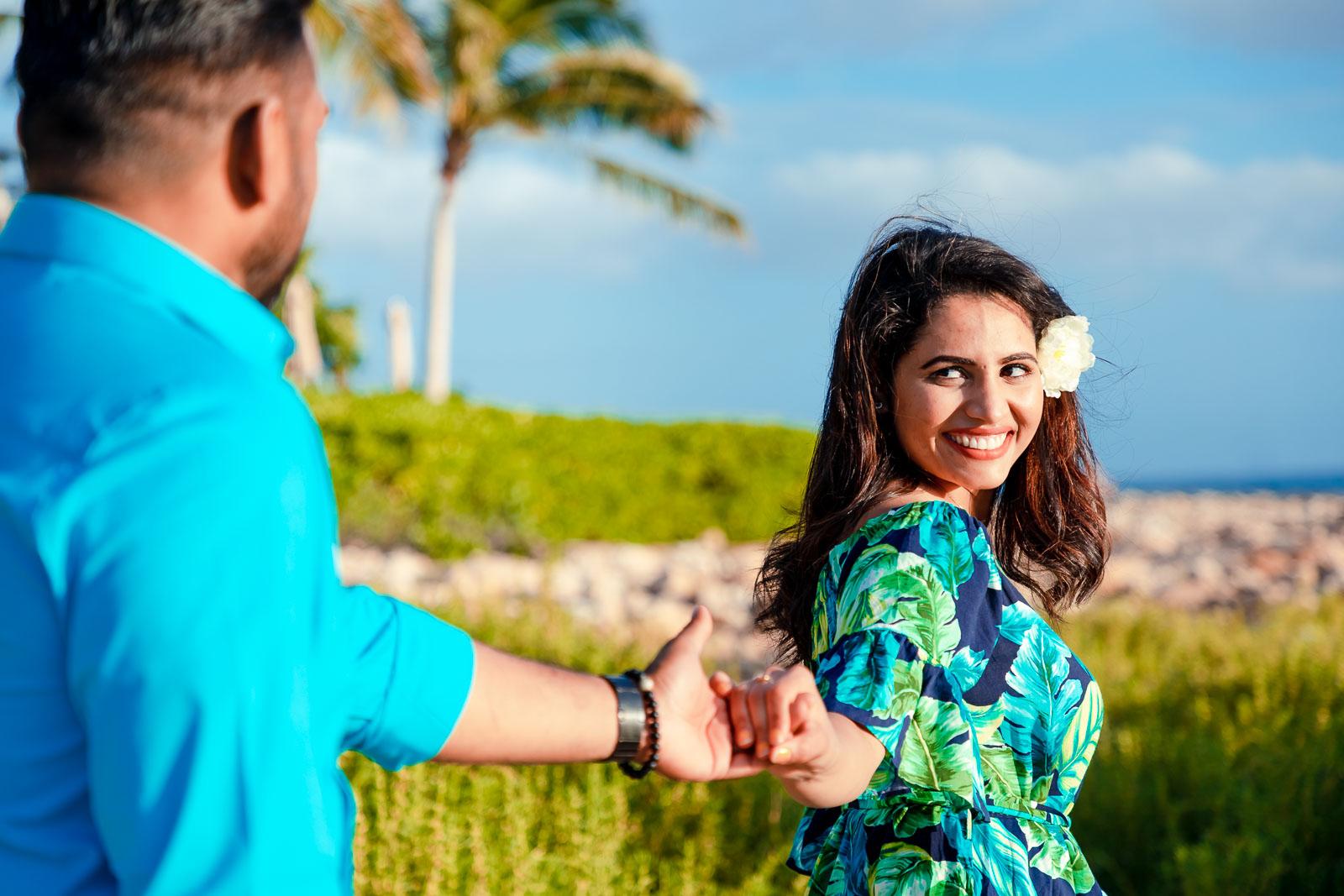 couples portrait palm trees beach oahu ko olina