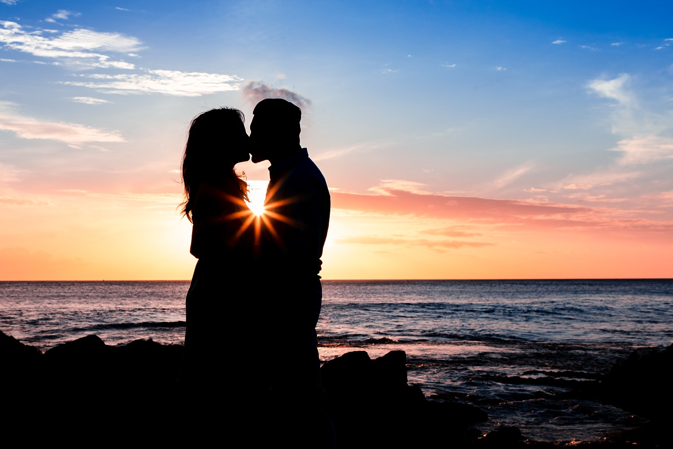 engagement portrait oahu hawaii beach sunset silhouette photographer