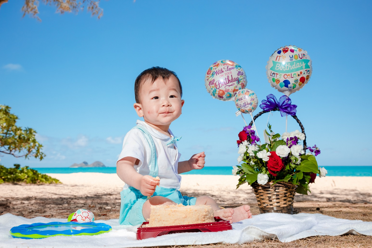 1st Birthday Parties! - Check out our blog post on our Keiki's 1st Birthday photography! (click image)