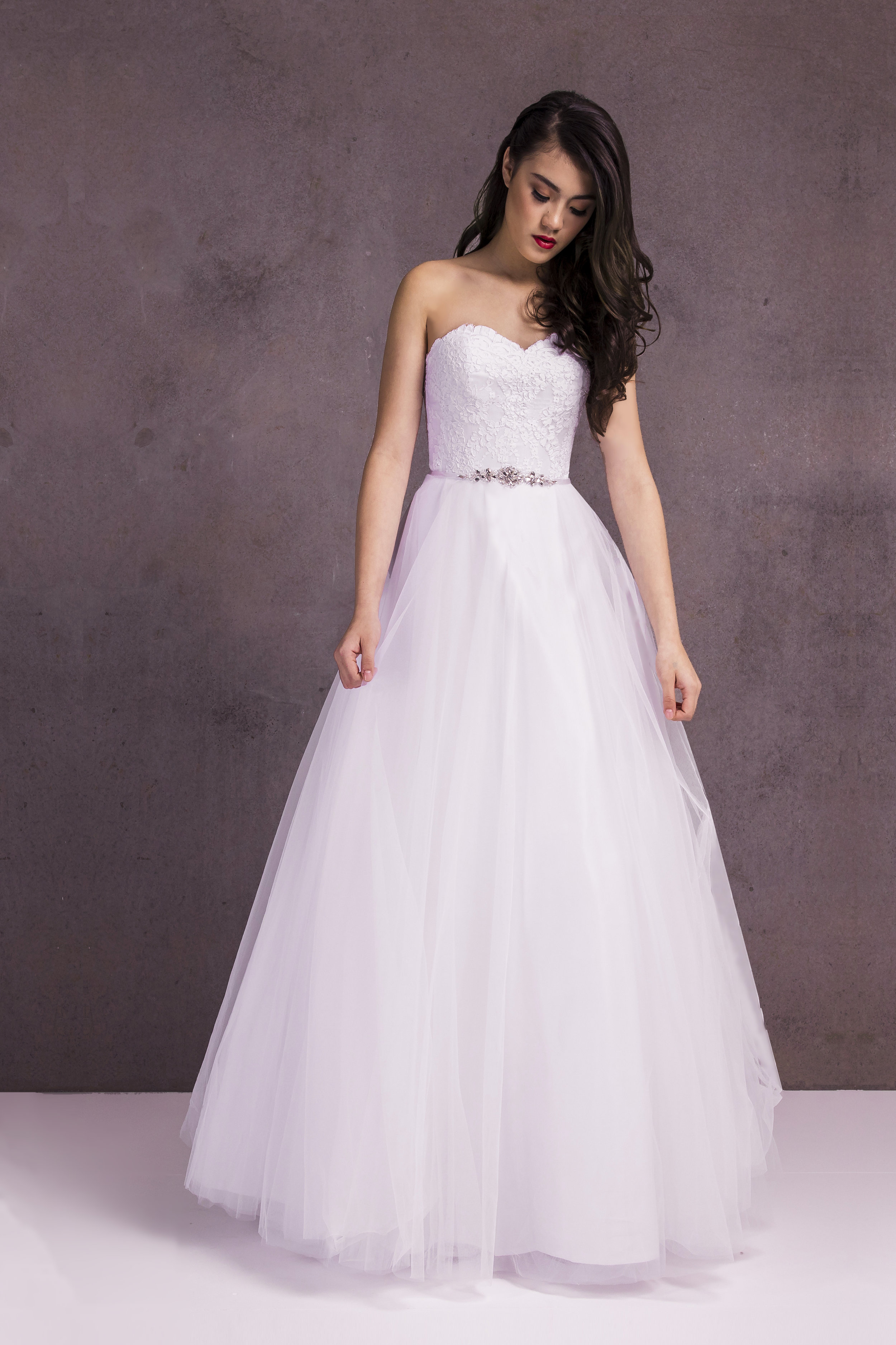 LATEST DEBUTANTE    VIEW COLLECTION