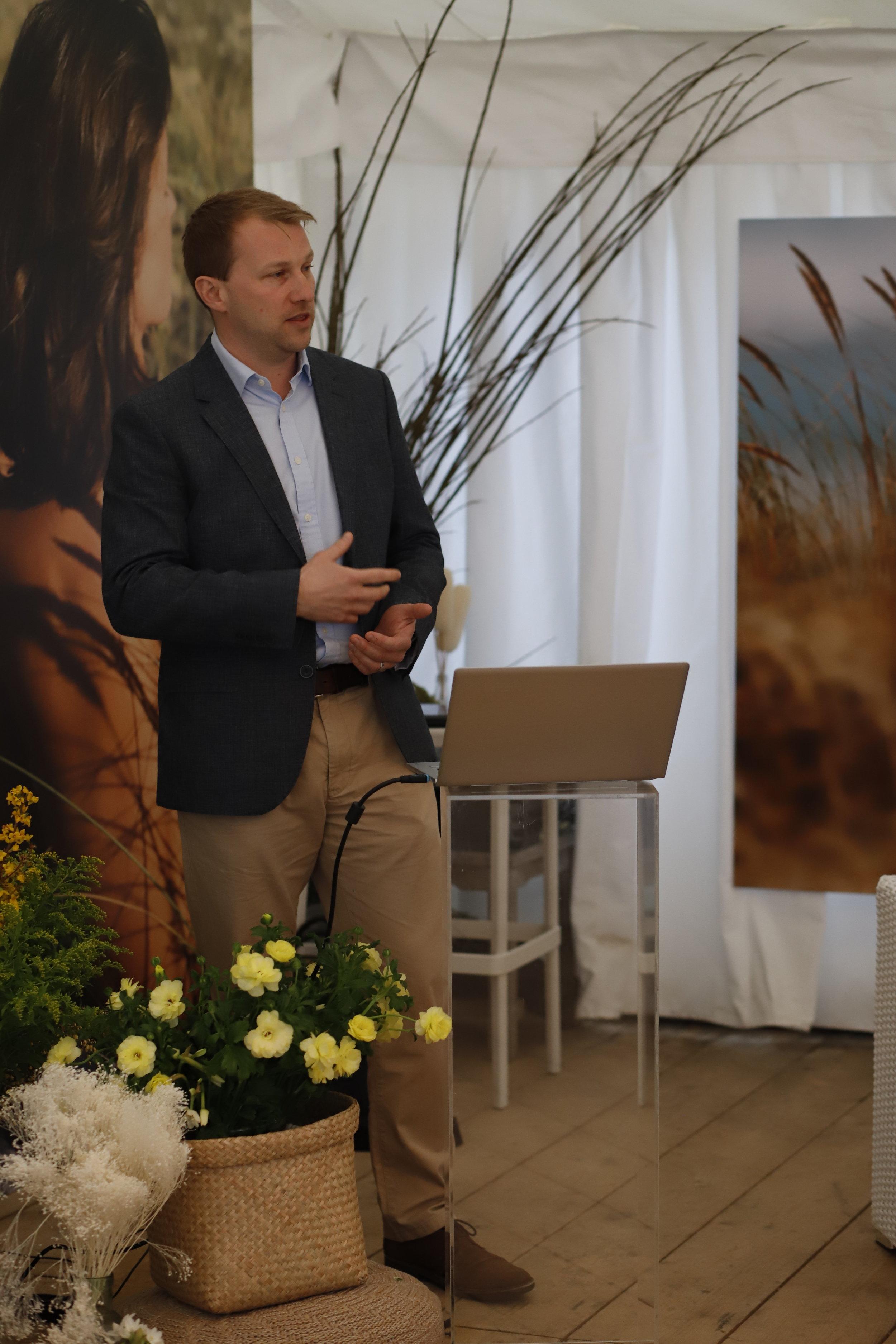 James Harvey presenting to UK beauty journalists