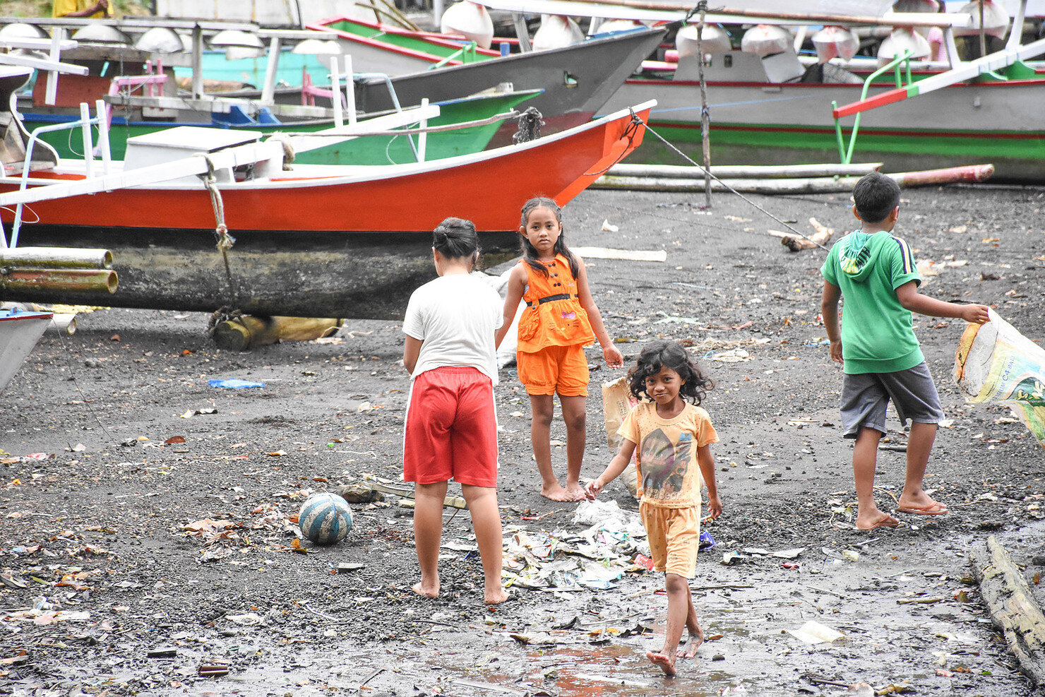 Immediately after the Waste Bank Opening, village children went to the beach to start collecting plastic