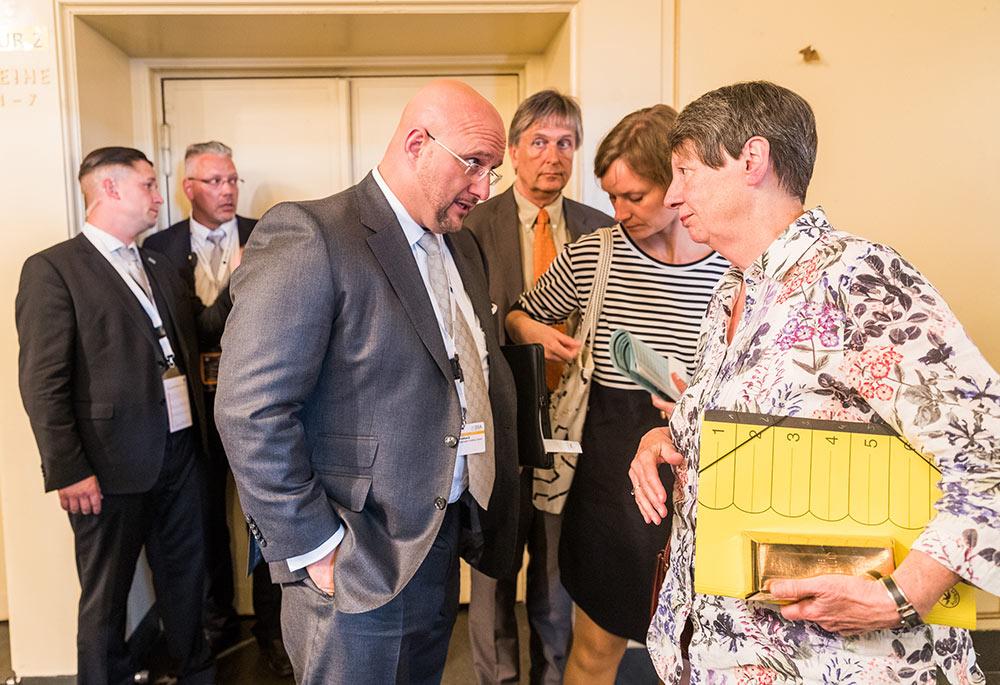 Geschäftsführer Andreas Schrobback mit Bundebauministerin Barbara Hendricks