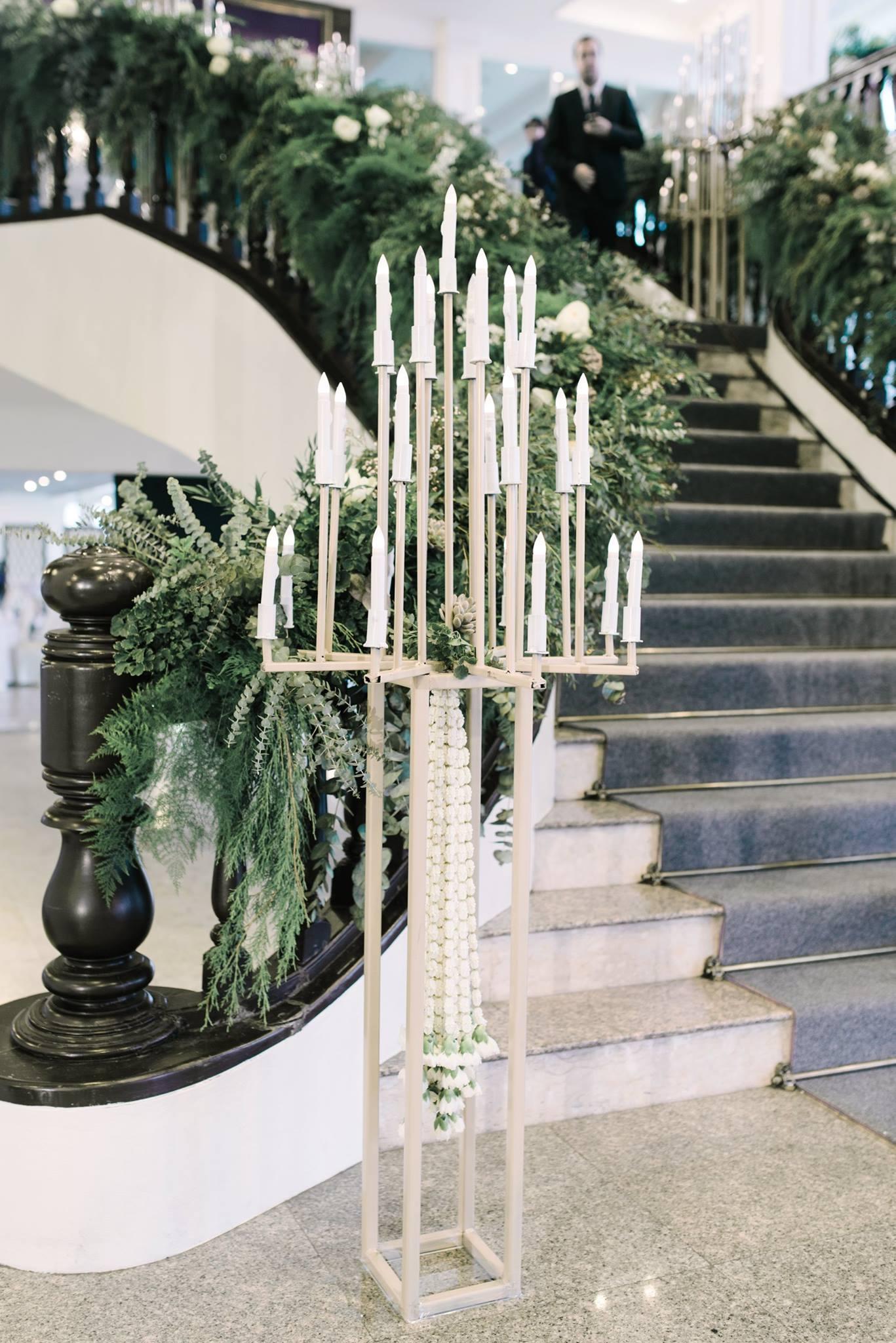 Simplified bush-like offering trays