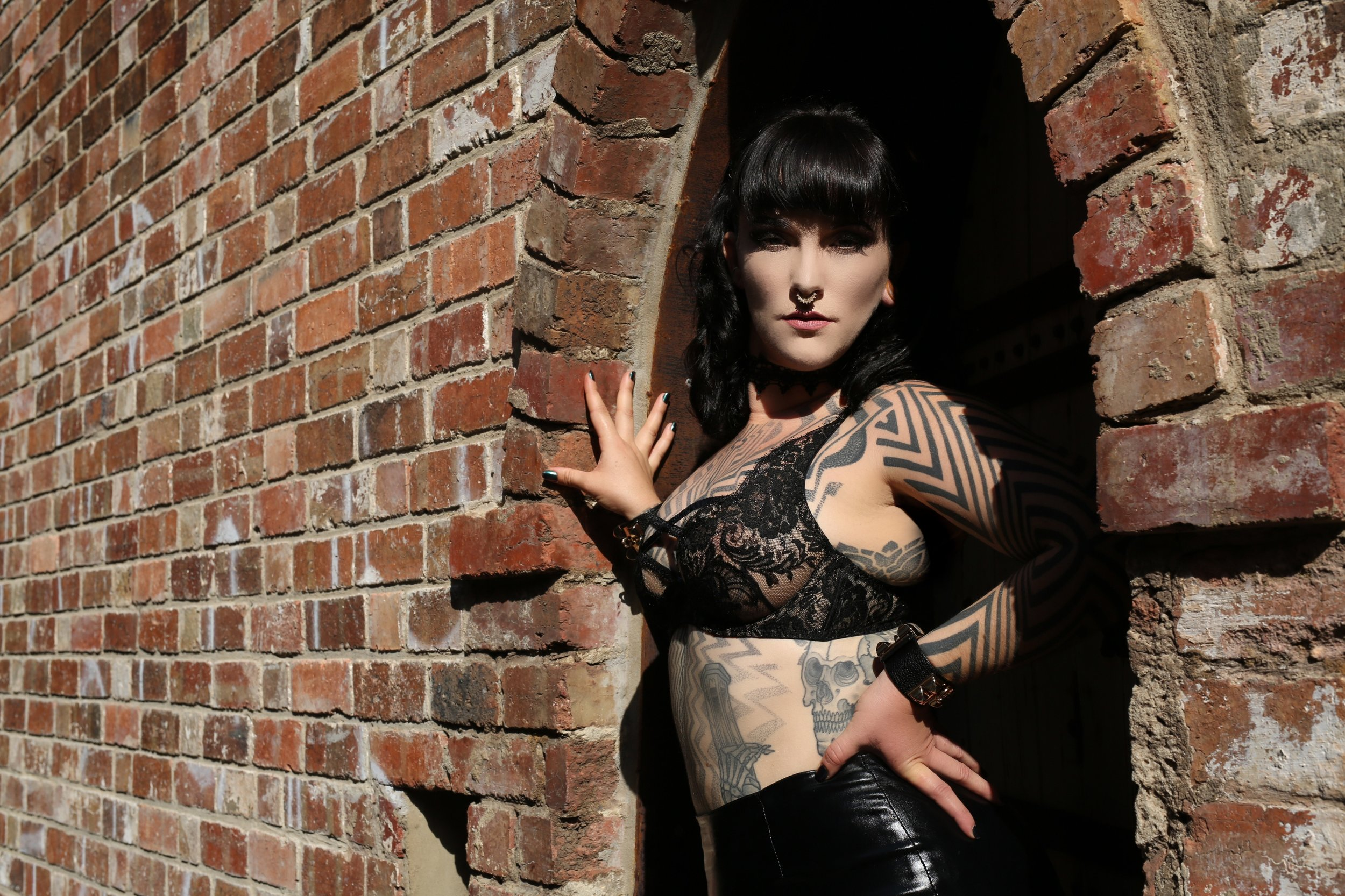 Exclusive Long Term Lover Relationships with Tattooed Kinky Escort and Dominatrix English Mistress