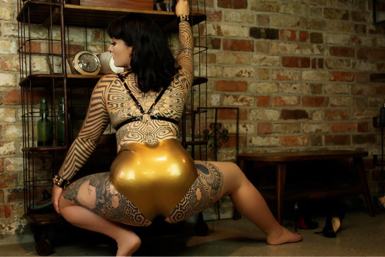 miss tallula gold latex hot pants latex bra.jpg