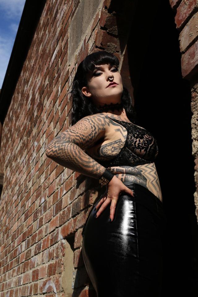 Miss Tallula, Sydney Mistress, Sydney Dominatrix, Lace bra, leather skirt, strict discipline