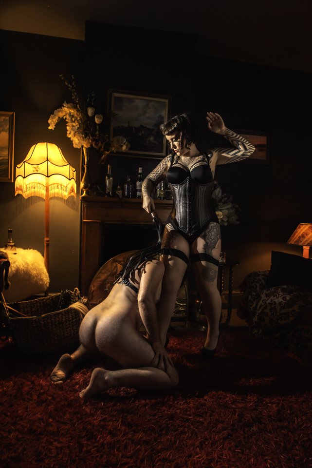 Miss Tallula leather flogger flogging dominant femdom.jpg
