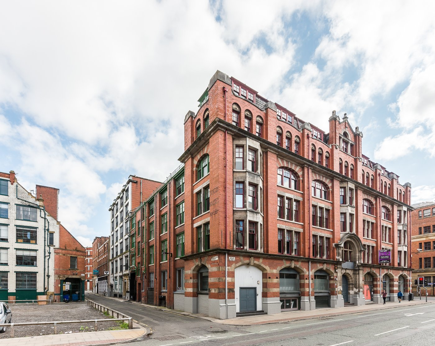 "Dale Street, City Centre, Manchester, M4<br><div class=""priceright"">£40 a month</div>"