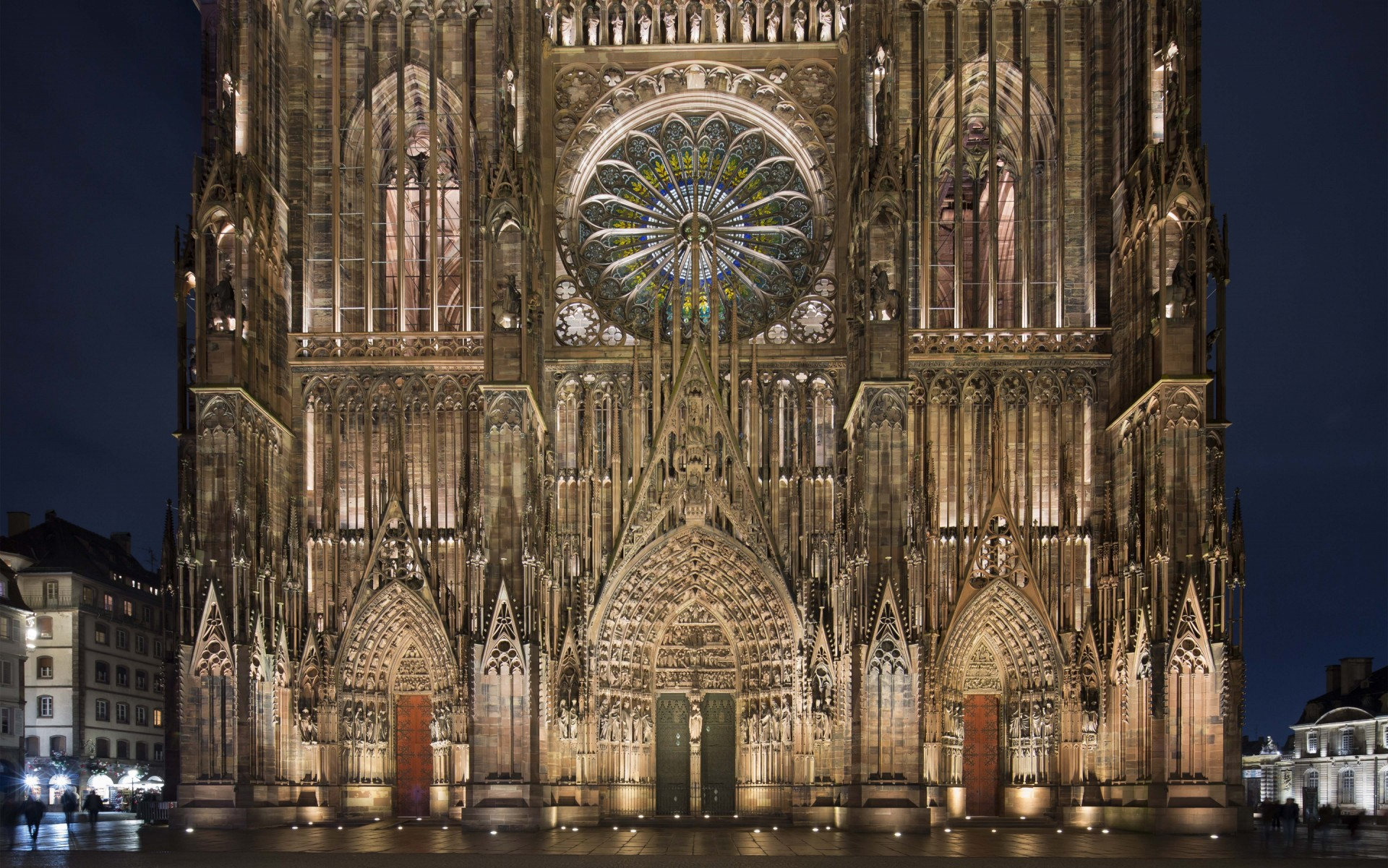 LumenPulse Catedral Strasbourg 2.jpg
