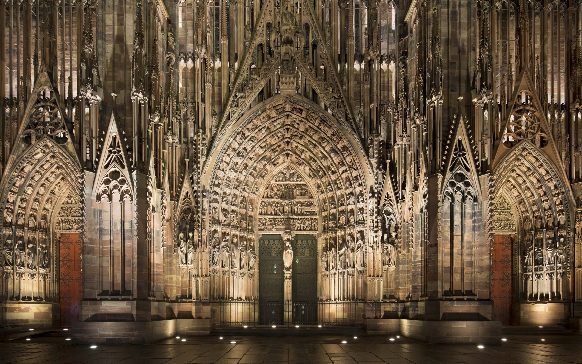 LumenPulse Catedral Strasbourg 1.jpg