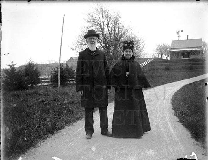 19. 1970.10.178  W.W. Knowles and Wife Tempy c.1900 - photographer unknown
