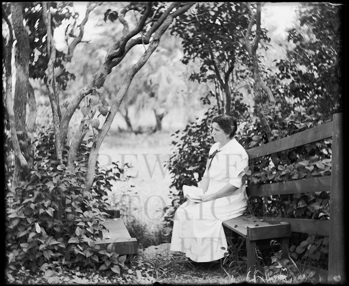 54. 1970.10.T1017 Mrs. Burdett c.1900 - photographer Cornelius Chenery