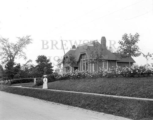 23. 1970.10.75 – Brewster Ladies Library