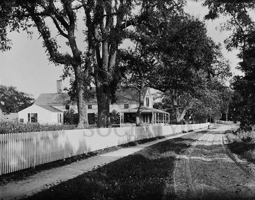 27. 1970.10.249 – Howe Farmhouse