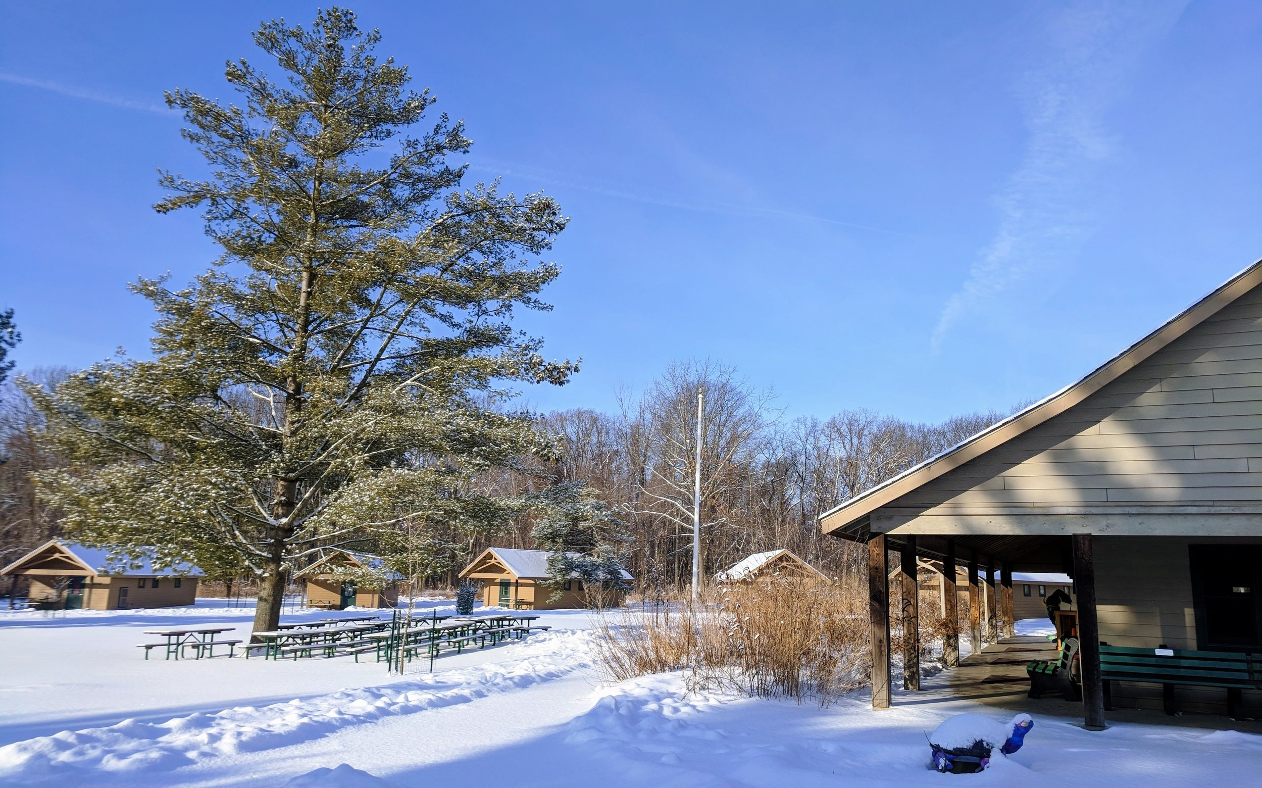 Lodge+snow.jpg