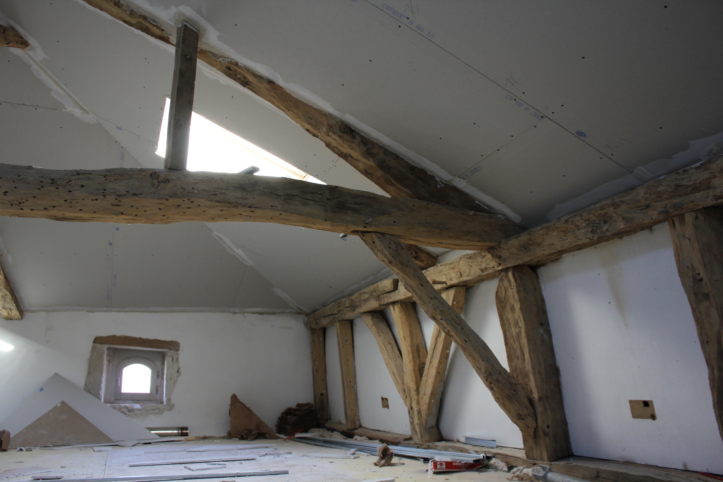 Grenier- right side, before the partition wall goes in.