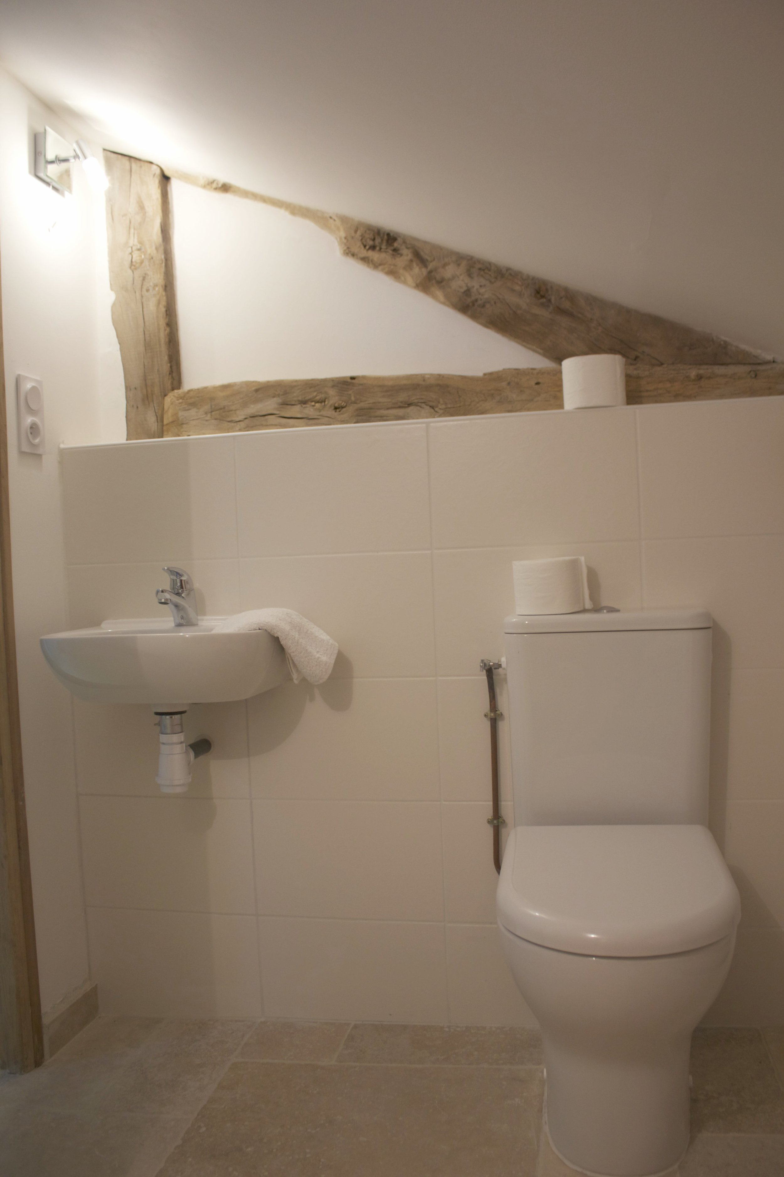 7. The toilet next to the Grenier bedroom.