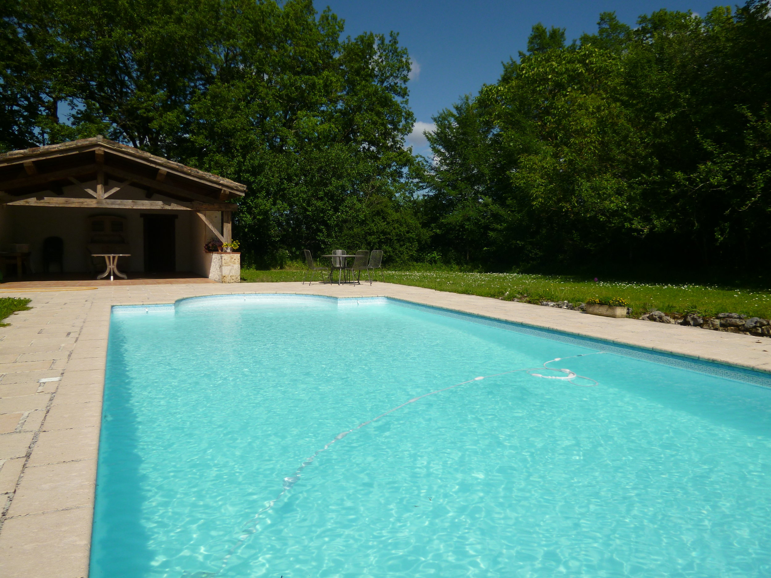 Pool and Pool house, the Roman end.