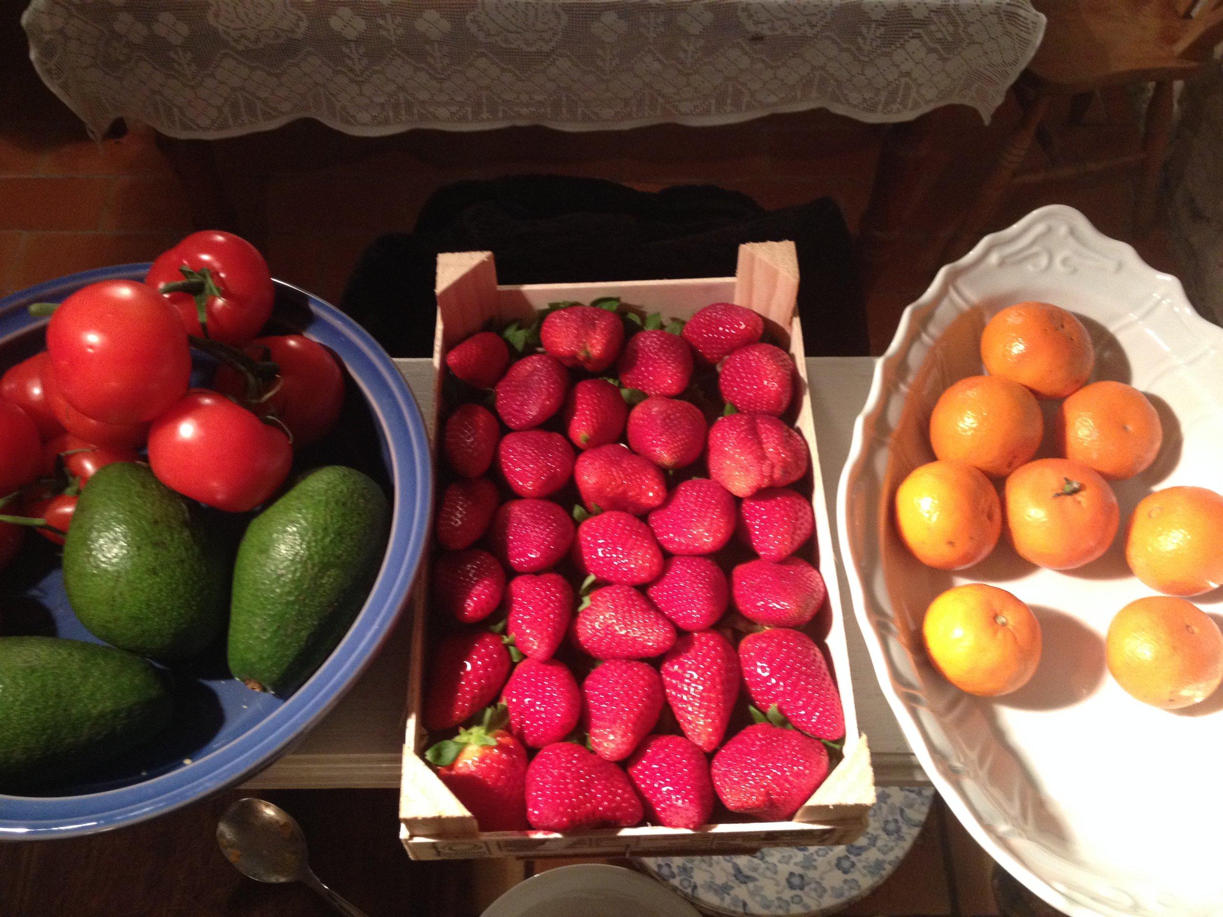 A glorious cornucopia of colour in the kitchen!