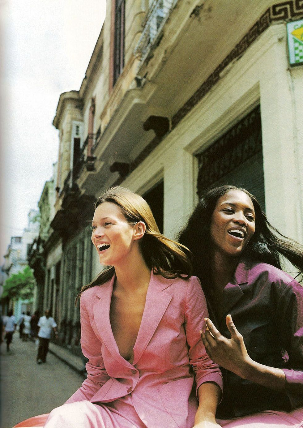 Naomi Campbell and Kate Moss in 1998