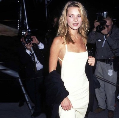 Kate Moss 90s red carpet