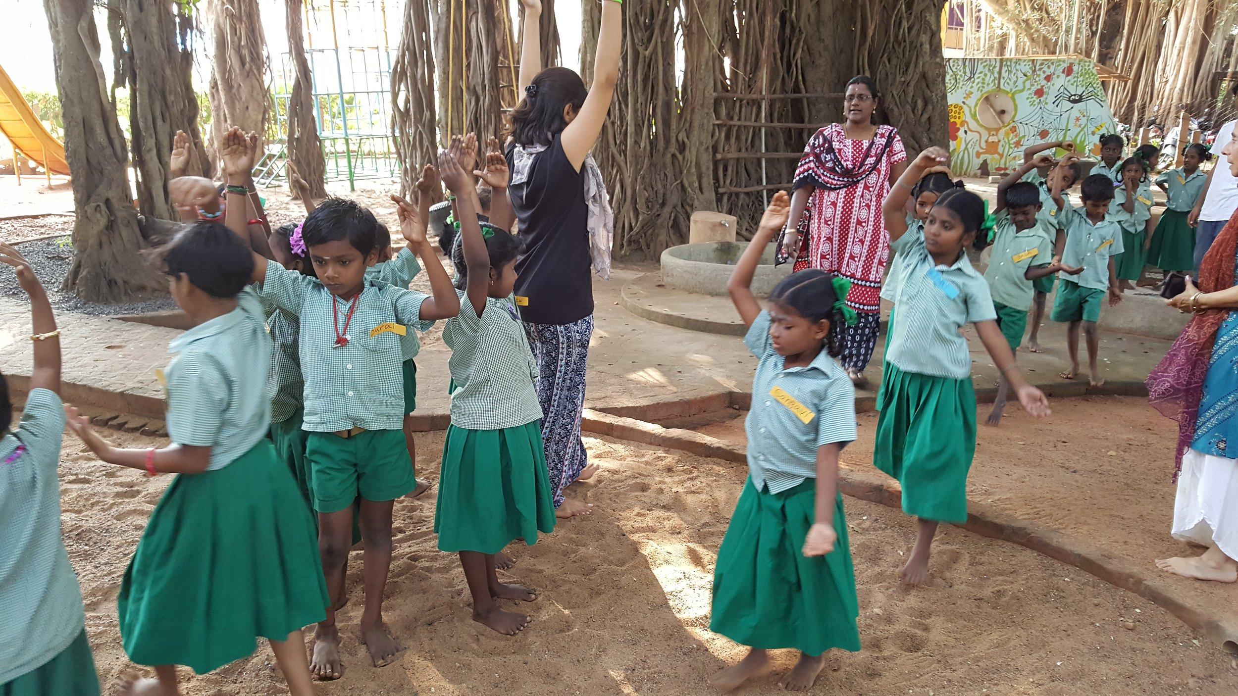 Aikiyam School children rehearsing 20`7.jpg