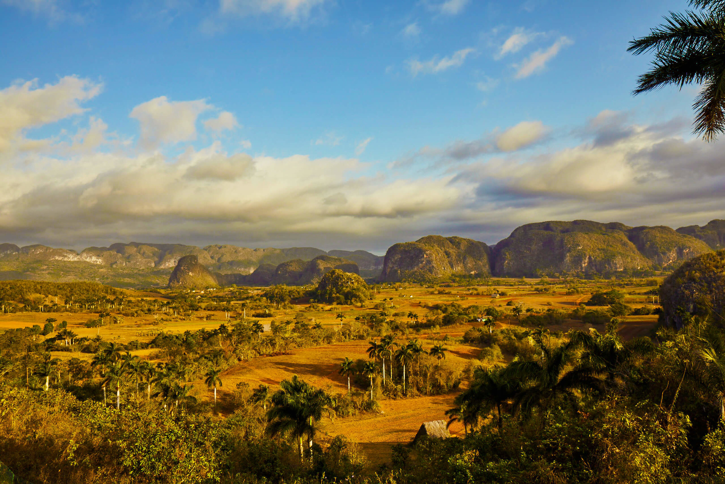 CUBA-CANDELA-countryside-vinales-overlook