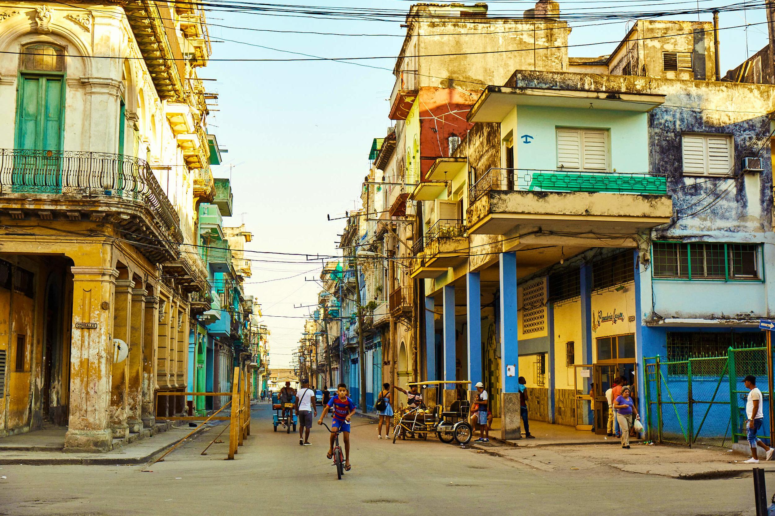 CUBA_CANDELA_old_havana_streets