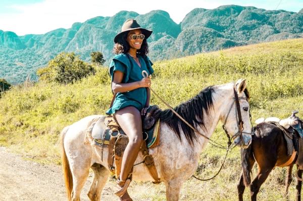 Exploring the Viñales Valley on horseback