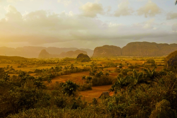 vinales_valley_cuba_tobacco_country_sunset.jpg