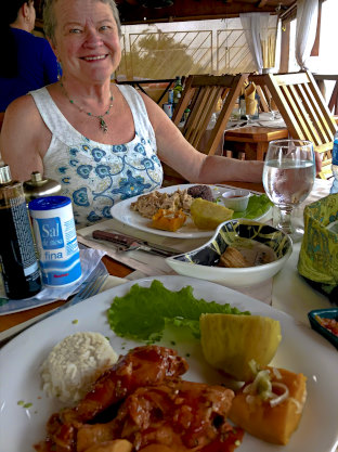 Delicious lunch, in Cuba, with mom <3