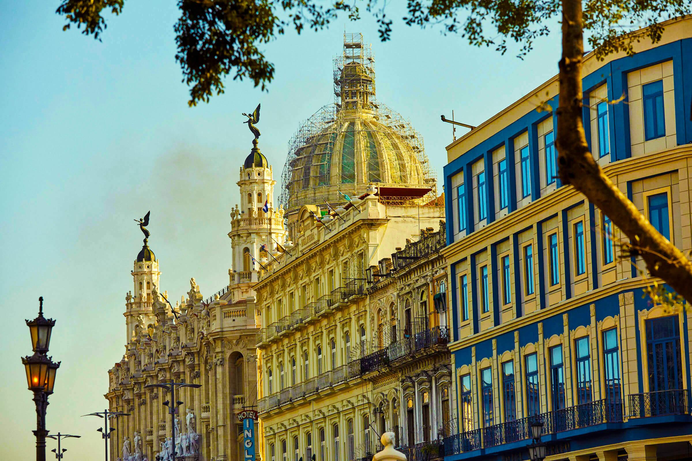 cuba_grand_architecture_el_capitolio_havana.jpg