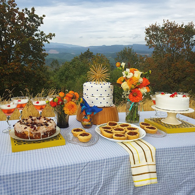 Sarah Renard Floral 60s Inspiration Dessert Table