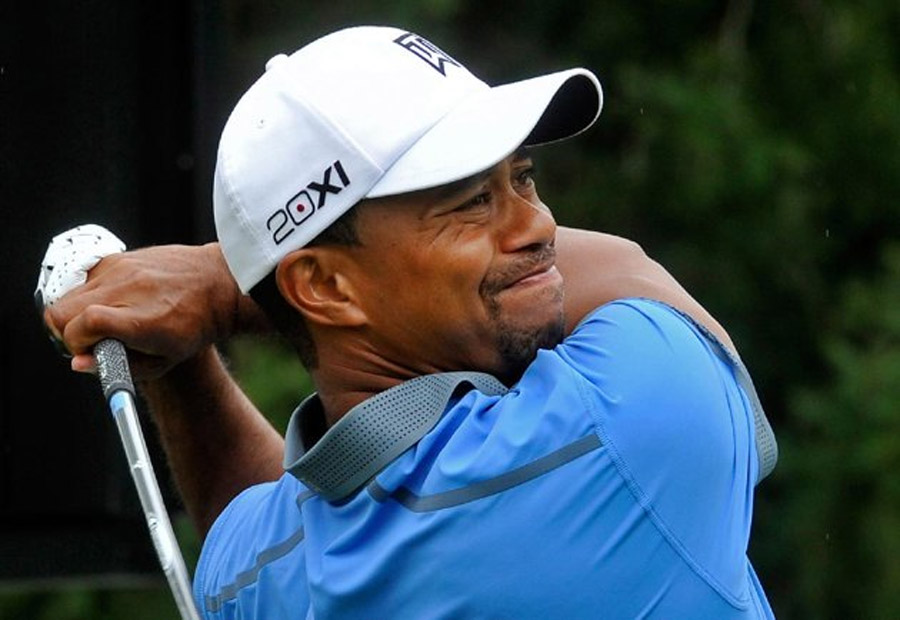 FreeGreatPicture.com-45691-tiger-woods-flirts-with-59-still-posts-61-to-take-seven-shot-lead-at-firestone.jpg