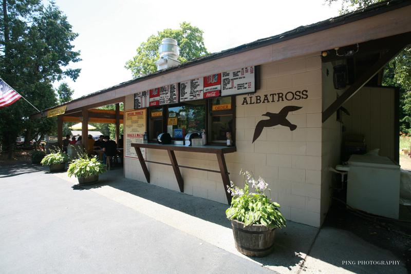 Albatross_drive_in_restaurant.jpg