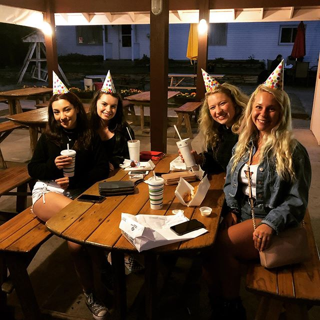 Always a reason to celebrate at the Alby!  Jasmine and her friends celebrated her birthday in style! 🎉  #happybirthday #friends #celebration #washingtonisland