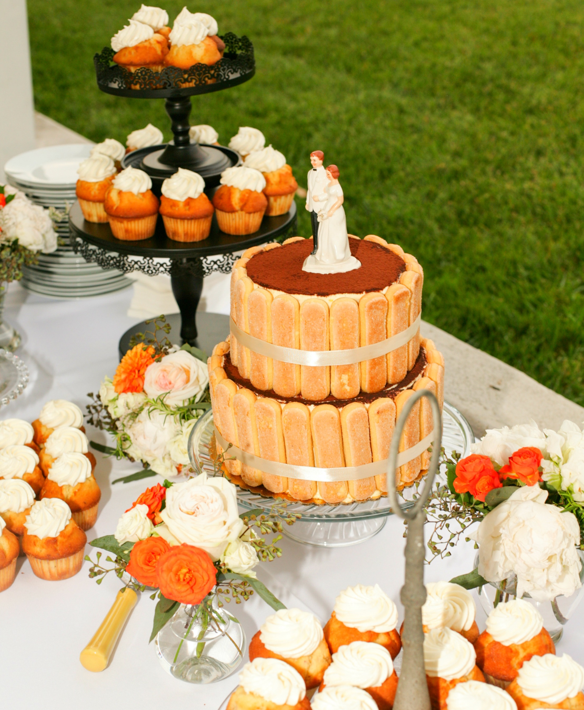 vinyard-wedding-cupcakes.jpg