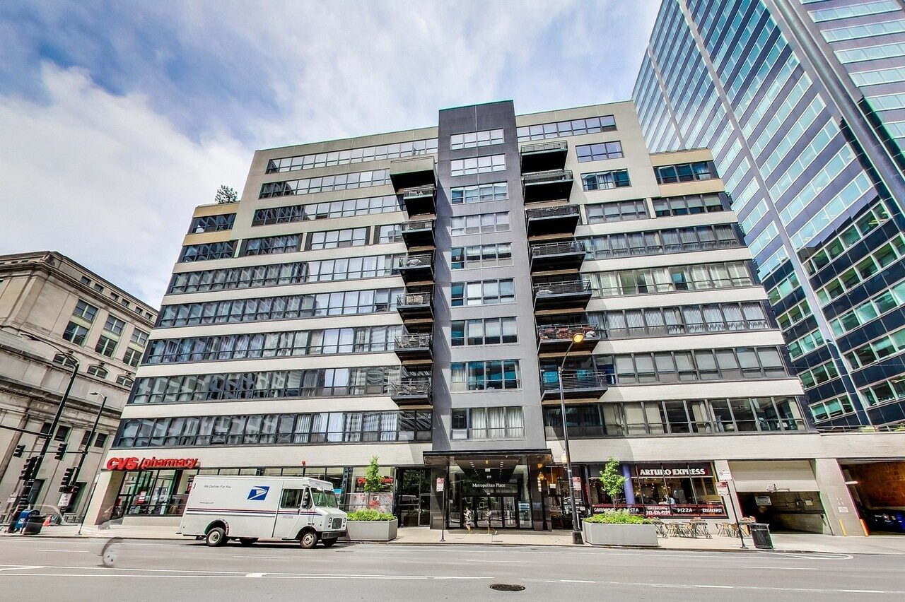 130 S Canal St #605 | $2,800/mth