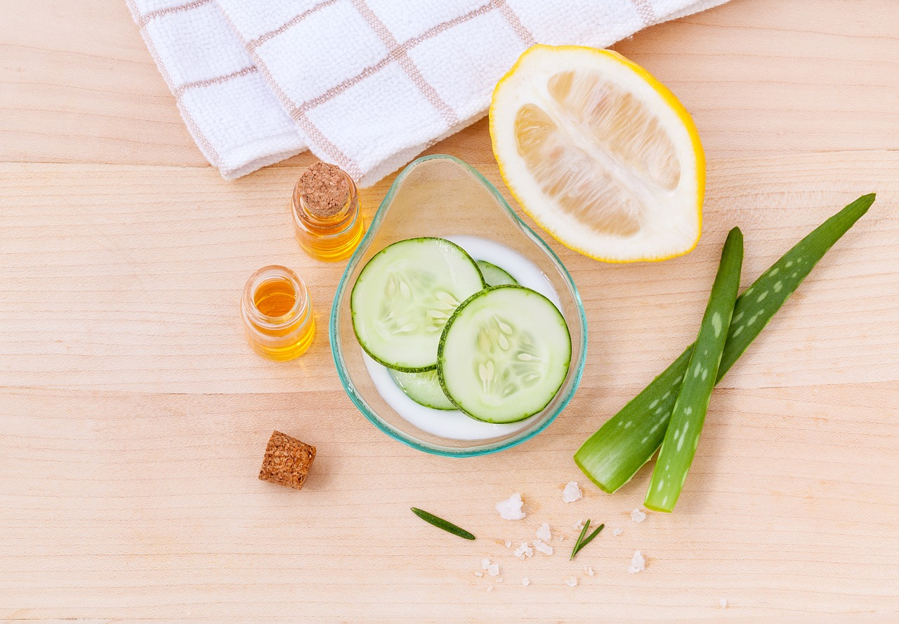 Yummy organic and natural ingredients that make your skin so happy!